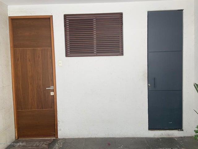 Casa Distrito Federal>Cuajimalpa de Morelos>Campestre Palo Alto - Venta:6.950.000 Pesos - codigo: 19-606