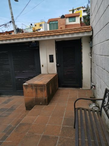 Casa Estado de Mexico>Naucalpan de Juarez>Ciudad Satelite - Venta:3.990.000 Pesos - codigo: 19-1520