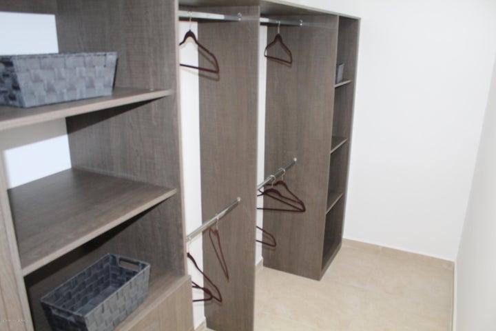 Casa Queretaro>Queretaro>El Refugio - Renta:11.500 Pesos - codigo: 19-1545