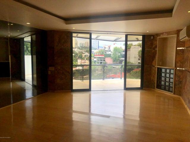 Casa Estado de Mexico>Huixquilucan>Lomas de Tecamachalco - Renta:130.000 Pesos - codigo: 19-1549