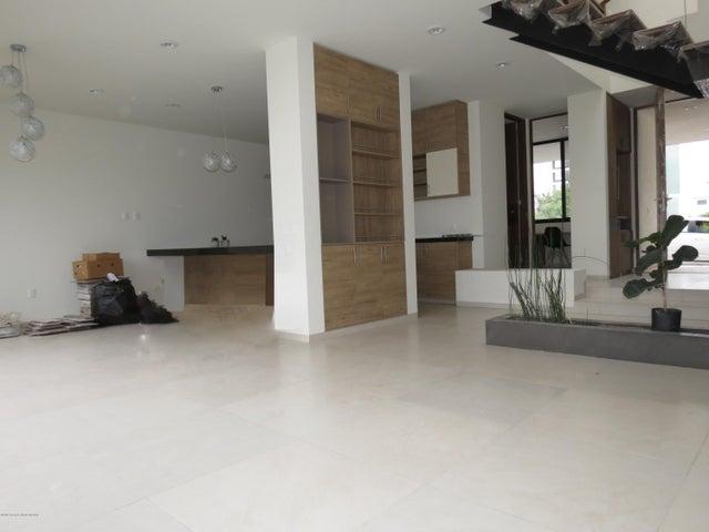 Casa Queretaro>El Marques>Zibata - Venta:5.000.000 Pesos - codigo: 19-1554