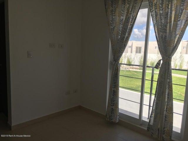 Casa Queretaro>El Marques>Zakia - Renta:9.500 Pesos - codigo: 19-1560