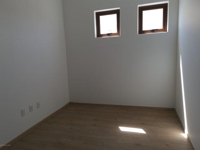 Departamento Estado de Mexico>Atizapan de Zaragoza>Bosque Esmeralda - Renta:26.800 Pesos - codigo: 19-1563