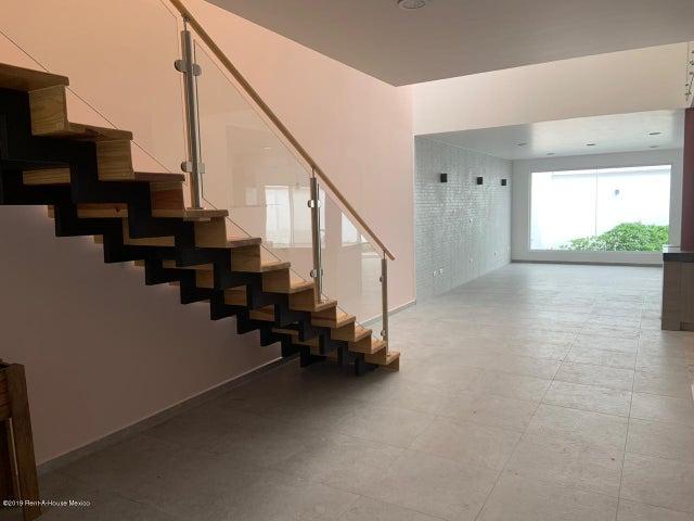 Casa Queretaro>Queretaro>Cumbres del Lago - Renta:23.000 Pesos - codigo: 19-1553