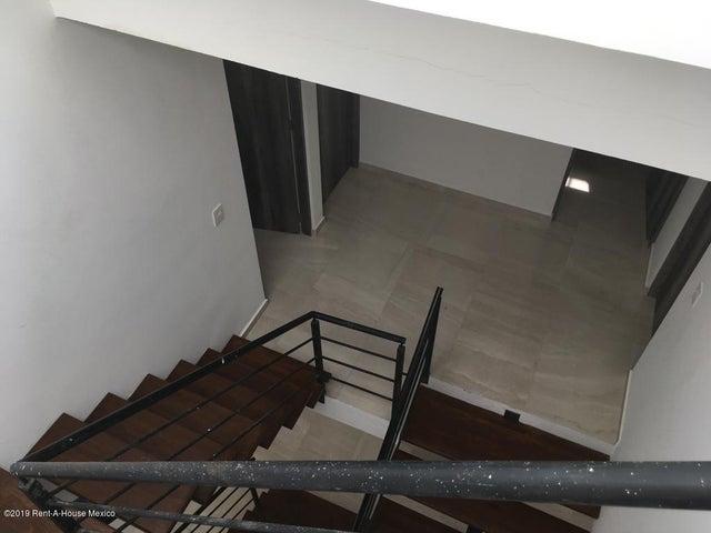 Casa Queretaro>Corregidora>Canadas del Arroyo - Venta:2.950.000 Pesos - codigo: 19-1747