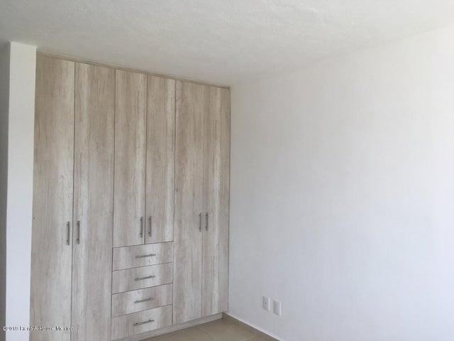 Casa Queretaro>Corregidora>Canadas del Arroyo - Venta:2.250.000 Pesos - codigo: 19-1758