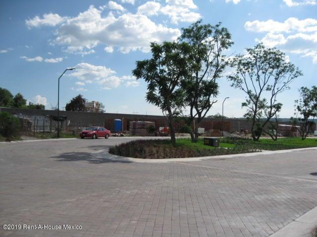 Terreno Queretaro>Corregidora>Canadas del Arroyo - Venta:705.500 Pesos - codigo: 19-1780