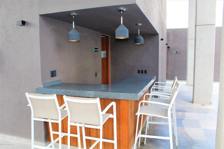 Departamento Queretaro>Queretaro>Santa Fe de Juriquilla - Renta:22.000 Pesos - codigo: 19-1558