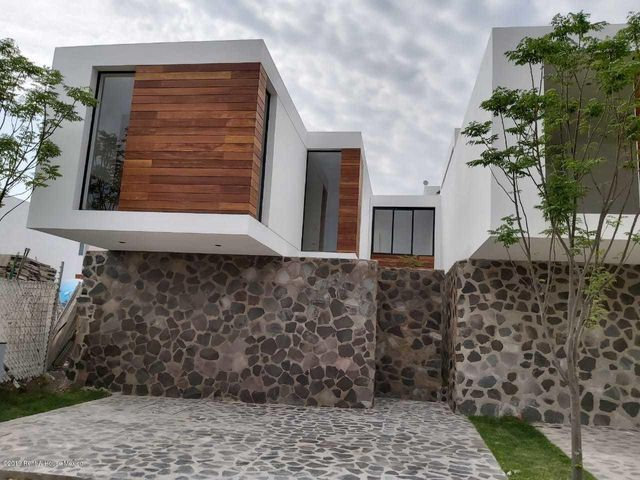 Casa Queretaro>Corregidora>Canadas del Arroyo - Venta:3.149.000 Pesos - codigo: 19-1753
