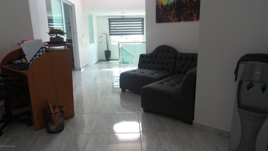 Casa Queretaro>Queretaro>Juriquilla - Venta:6.900.000 Pesos - codigo: 19-1963