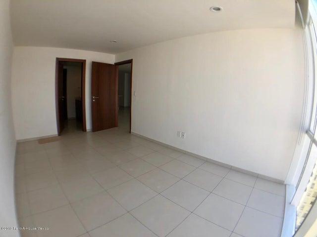 Departamento Distrito Federal>Miguel Hidalgo>Ampliacion Granada - Renta:34.000 Pesos - codigo: 19-1974