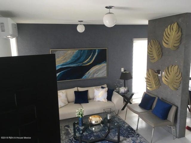 Casa Queretaro>Corregidora>Canadas del Lago - Venta:1.545.000 Pesos - codigo: 19-2110