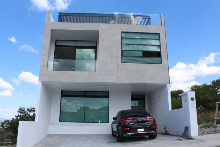 Casa Queretaro>El Marques>Zibata - Renta:24.000 Pesos - codigo: 19-1259