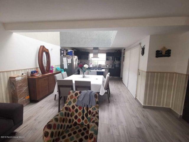 Casa Queretaro>El Marques>Zibata - Renta:23.000 Pesos - codigo: 19-2138