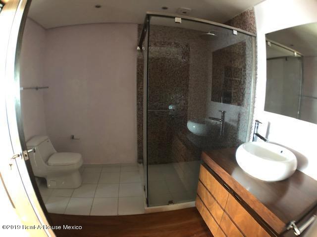 Departamento Estado de Mexico>Huixquilucan>Lomas Country Club - Venta:19.000.000 Pesos - codigo: 19-2140
