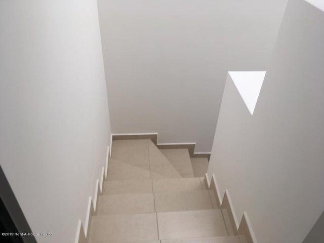 Casa Queretaro>El Marques>Zakia - Renta:9.500 Pesos - codigo: 19-2143