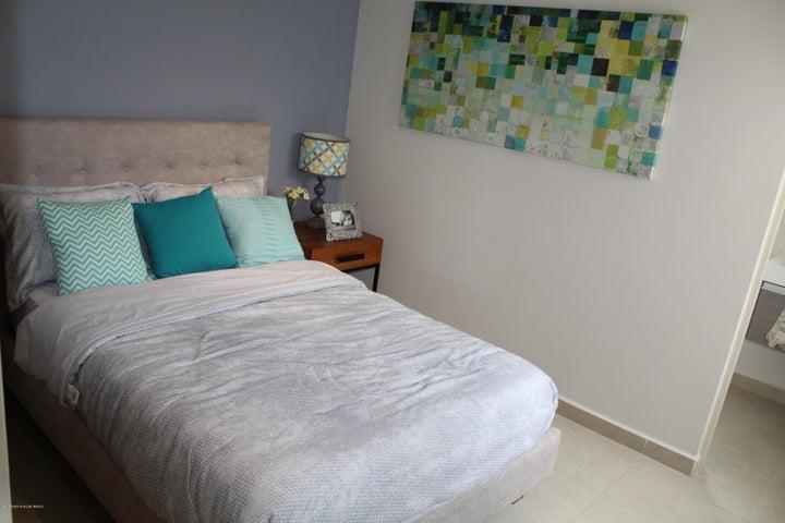 Casa Queretaro>El Marques>Zakia - Venta:2.071.741 Pesos - codigo: 19-2212