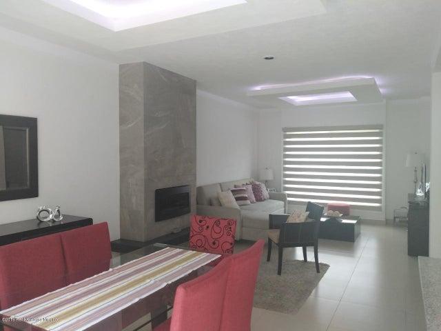Casa Queretaro>El Marques>Zibata - Venta:2.550.000 Pesos - codigo: 19-2270
