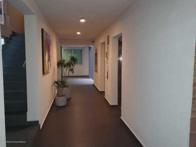 Departamento Estado de Mexico>Huixquilucan>Hacienda de las Palmas - Renta:19.800 Pesos - codigo: 19-2273