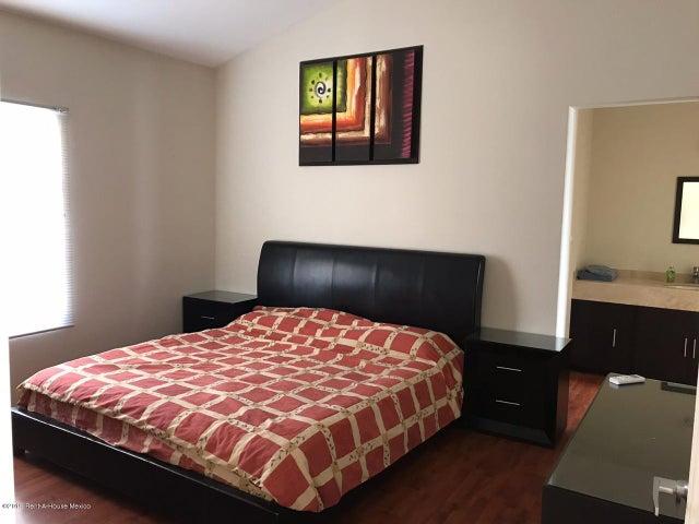 Casa Queretaro>Queretaro>Cumbres del Lago - Renta:16.500 Pesos - codigo: 19-2462