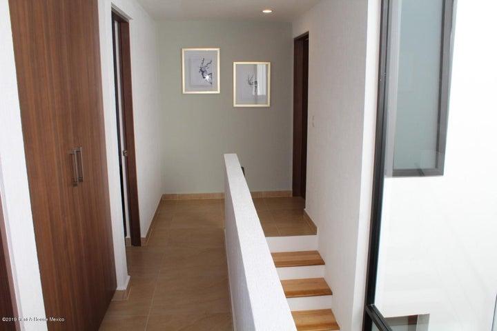 Casa Queretaro>El Marques>Zakia - Venta:2.543.663 Pesos - codigo: 19-631