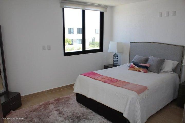 Casa Queretaro>El Marques>Zakia - Venta:2.491.552 Pesos - codigo: 20-19