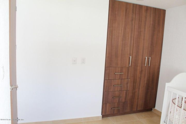 Casa Queretaro>Queretaro>Altos de Juriquilla - Venta:2.888.125 Pesos - codigo: 20-27