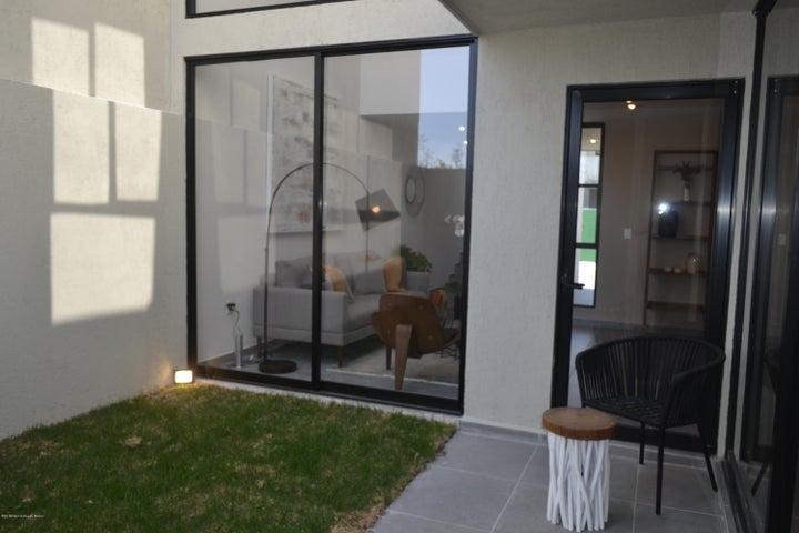 Casa Queretaro>El Marques>Zakia - Venta:2.287.500 Pesos - codigo: 19-2235