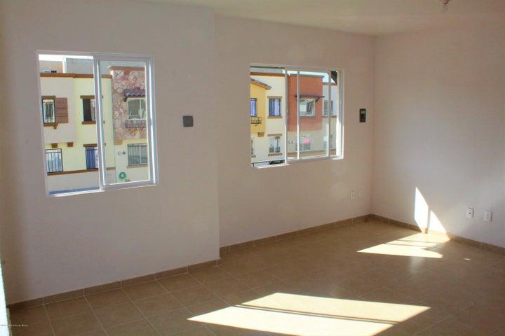 Departamento Queretaro>El Marques>Real Solare - Renta:5.000 Pesos - codigo: 20-54