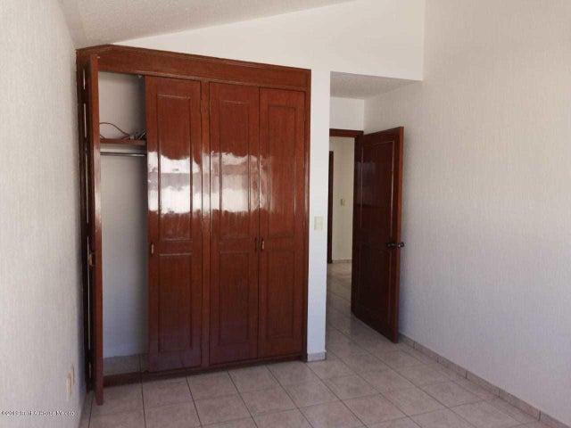 Casa Queretaro>Corregidora>Pueblo Nuevo - Venta:1.850.000 Pesos - codigo: 20-232