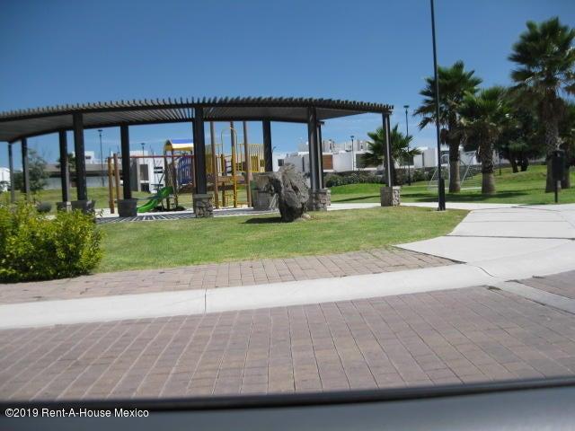 Terreno Queretaro>Corregidora>Canadas del Arroyo - Venta:766.455 Pesos - codigo: 20-426