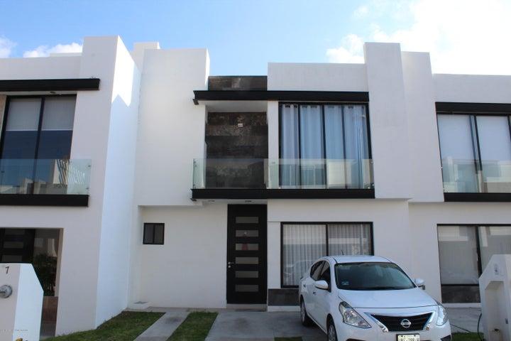 Casa Queretaro>El Marques>Zibata - Venta:2.659.000 Pesos - codigo: 20-673
