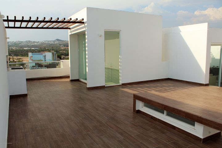 Casa Queretaro>Corregidora>Canadas del Arroyo - Venta:2.602.000 Pesos - codigo: 20-686