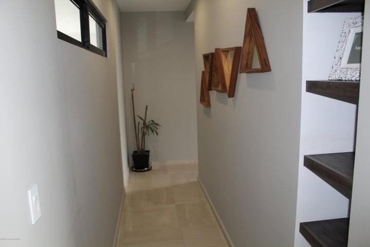 Departamento Queretaro>El Marques>Zibata - Venta:3.490.000 Pesos - codigo: 20-737