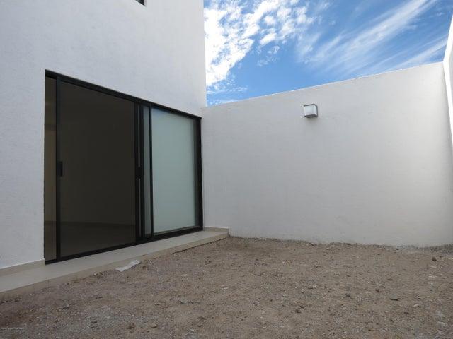 Casa Queretaro>El Marques>Zibata - Renta:13.000 Pesos - codigo: 20-940