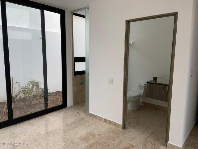 Casa Queretaro>El Marques>Zibata - Venta:4.390.000 Pesos - codigo: 20-986