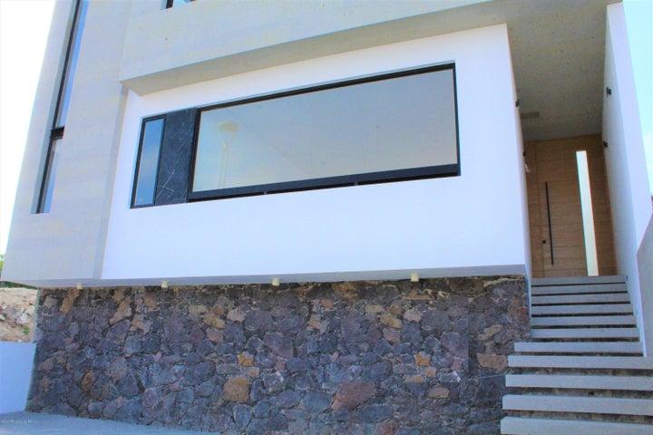 Casa Queretaro>El Marques>Zibata - Venta:3.800.000 Pesos - codigo: 20-1023