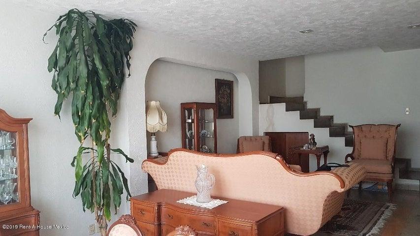 Casa Estado de Mexico>Huixquilucan>Jesus del Monte - Venta:5.400.000 Pesos - codigo: 20-1032