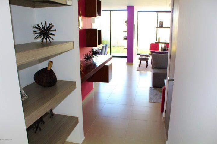 Casa Queretaro>Queretaro>Altos de Juriquilla - Venta:2.480.000 Pesos - codigo: 20-677
