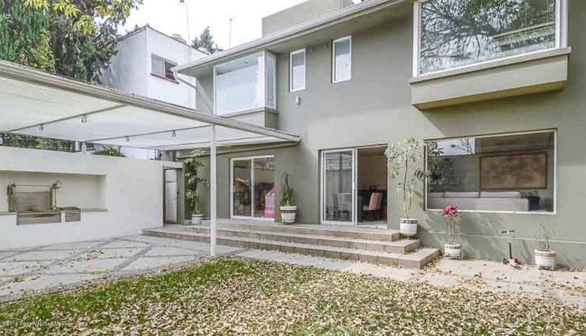 Casa Distrito Federal>Miguel Hidalgo>Lomas de Chapultepec - Venta:45.500.000 Pesos - codigo: 20-1402