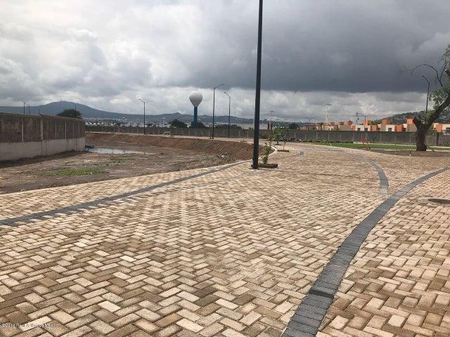 Terreno Queretaro>Corregidora>El Pueblito - Venta:1.537.723 Pesos - codigo: 20-2252