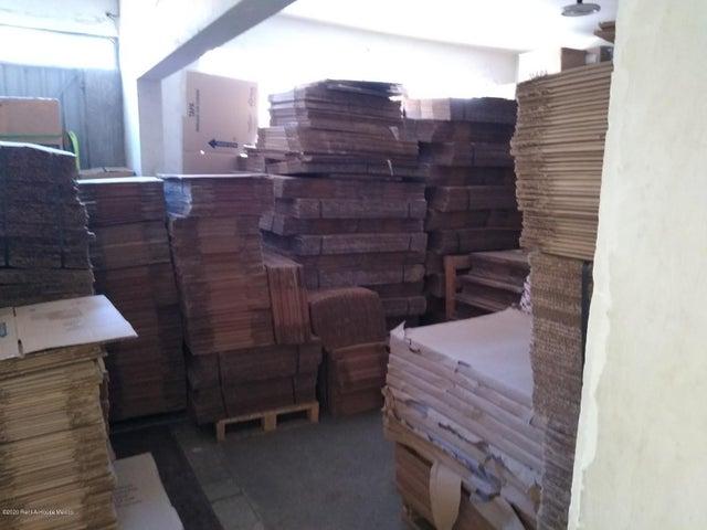Bodega Distrito Federal>Miguel Hidalgo>Anahuac - Renta:69.000 Pesos - codigo: 20-2243