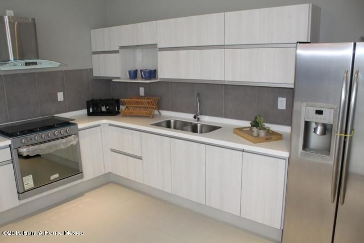 Casa Queretaro>El Marques>Zibata - Venta:3.250.000 Pesos - codigo: 20-2353
