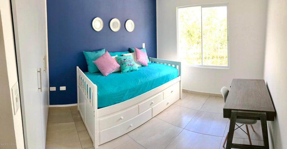 Casa Quintana Roo>Cancun>Vista Real - Venta:885.000 Pesos - codigo: 20-2427