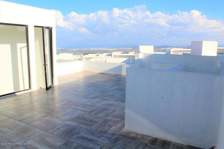 Casa Queretaro>El Marques>Zibata - Venta:3.135.997 Pesos - codigo: 20-2430
