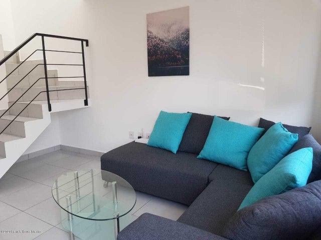 Casa Queretaro>El Marques>Zakia - Renta:12.500 Pesos - codigo: 20-2431