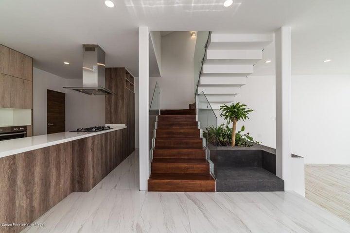 Casa Queretaro>El Marques>Zibata - Venta:4.600.000 Pesos - codigo: 20-2454