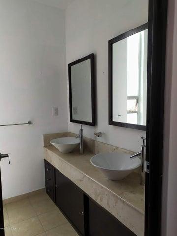 Departamento Distrito Federal>Cuajimalpa de Morelos>Lomas Del Chamizal - Renta:25.000 Pesos - codigo: 20-2458