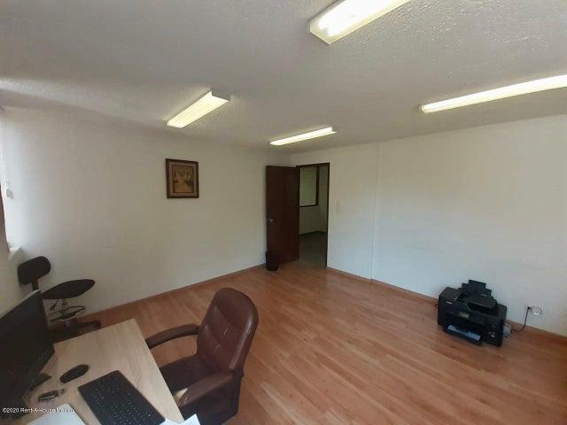 Oficina Distrito Federal>Miguel Hidalgo>Polanco - Renta:24.000 Pesos - codigo: 20-2662