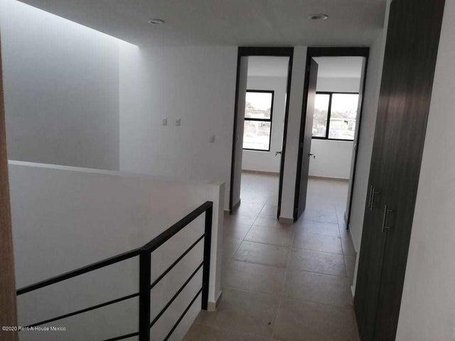 Casa Queretaro>El Marques>Zakia - Renta:11.000 Pesos - codigo: 20-3740